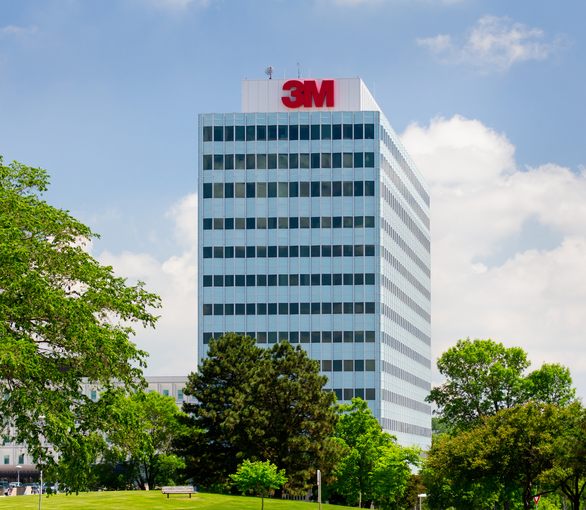 3M Stock: A Dividend Aristocrat to Look Out in 2017
