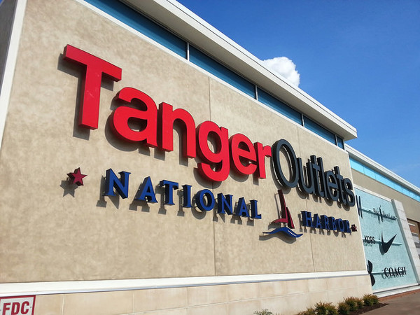 Tanger Outlets Stock